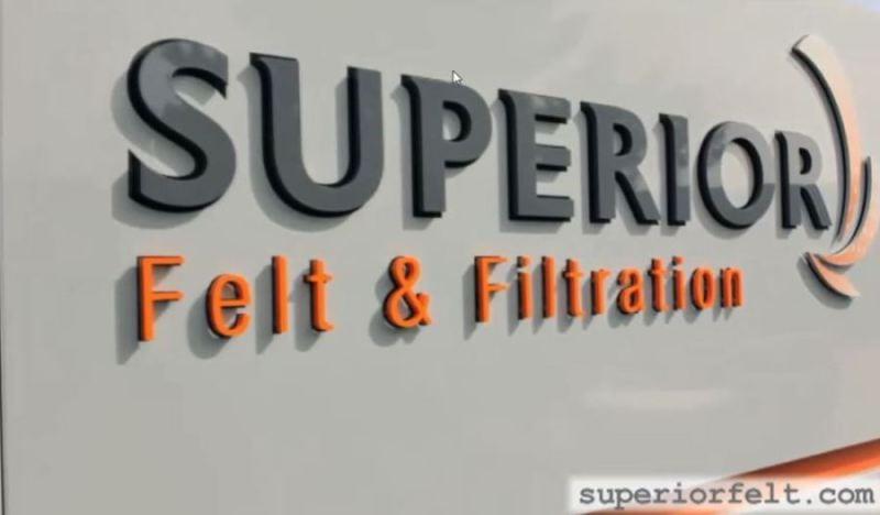 Superior sign